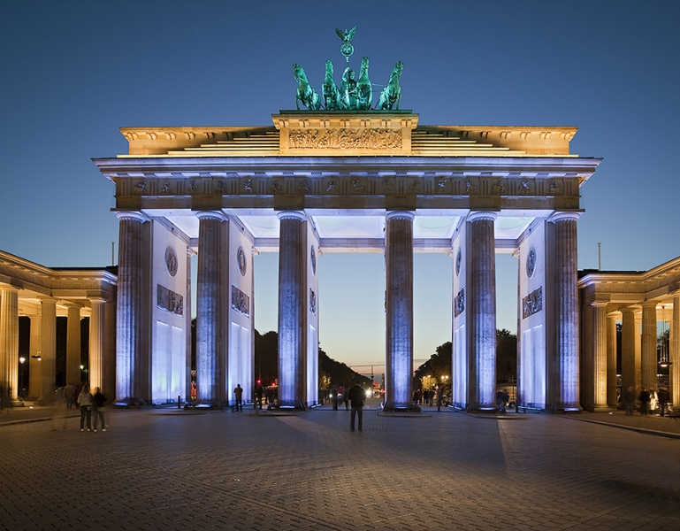 8881E-Brandenburger-Tor-Berlin-Festival-of-Lights-DR