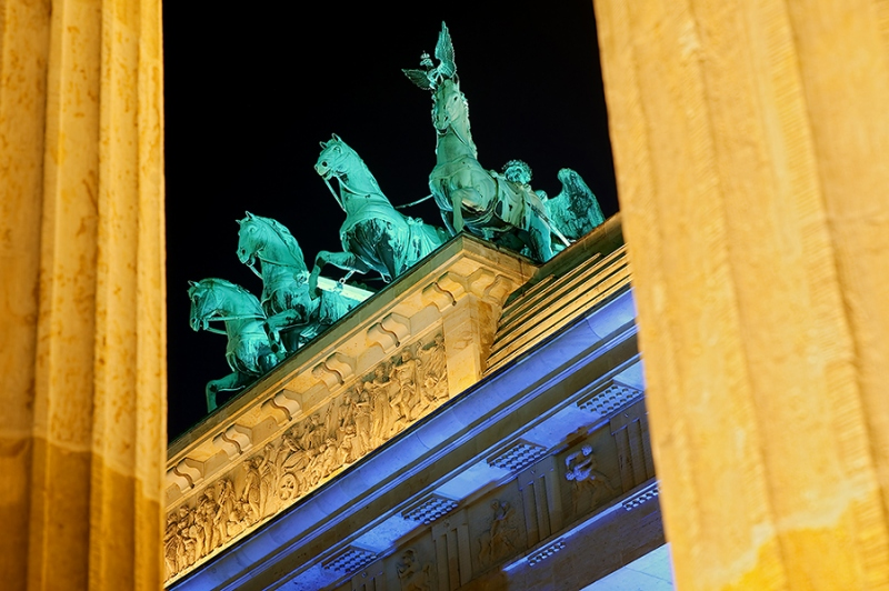 8888E8892E-Qaudriga-Brandenburger-Tor-Festival-of-Lights-Berlin-DRI