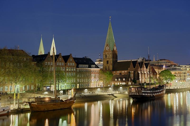 0319I-0321I-Bremen-Hafen-bei-Nacht-DRI