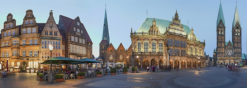 268I-250I-Marktplatz-Bremen-beleuchtet-Panorama-Detail