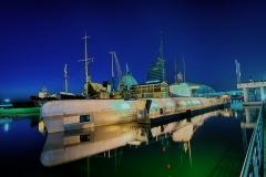 2280L-86L-Bremerhaven-Hafenwelt-beleuchtet-HDR-U-Boot