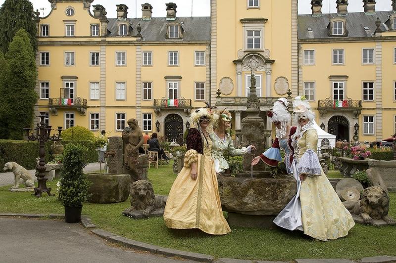 Landpartie vor Schloss Bückeburg