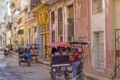 5112Sa-Havanna-Street-Cuba1