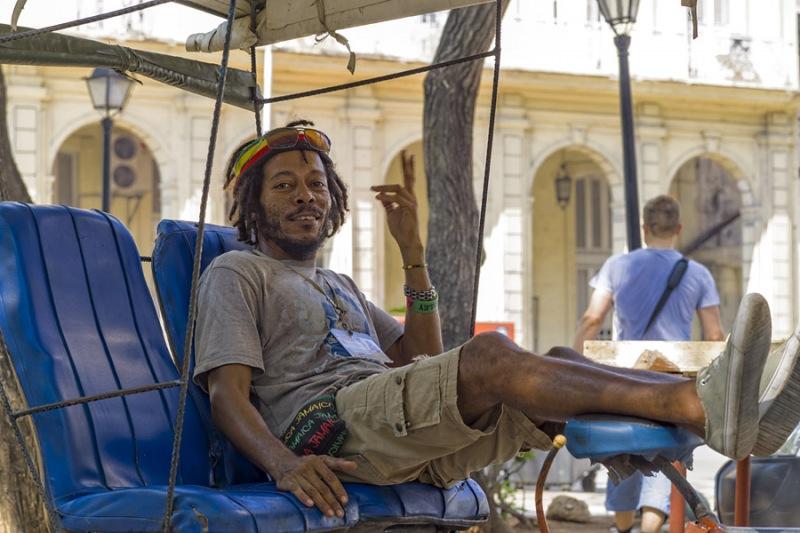5126Sa-Havanna-Street-Cuba1