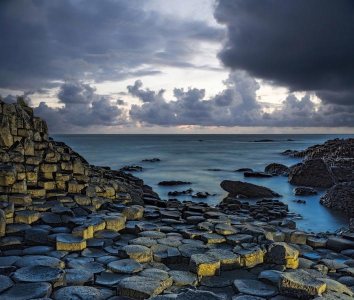 1677P Basaltfelsen Nordirland guter Himmel