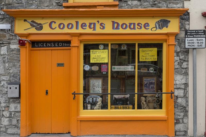 2192P Streetfoto Irland