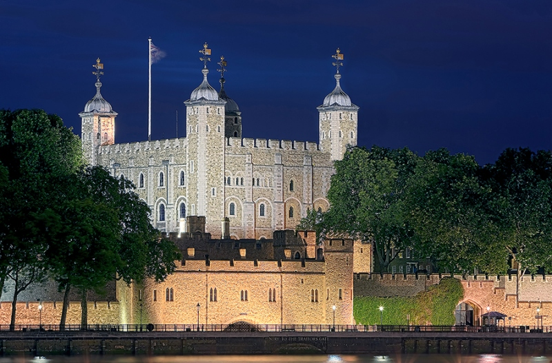 Tower London beleuchtet