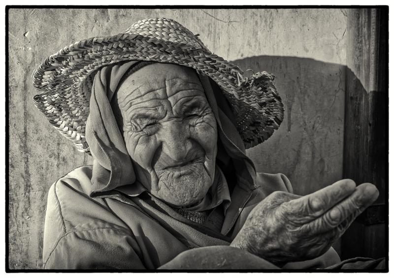 0980R-Marrakesch-Street-Portrait-sw