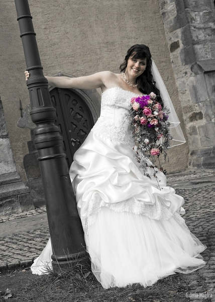 Braut teilcoloriert