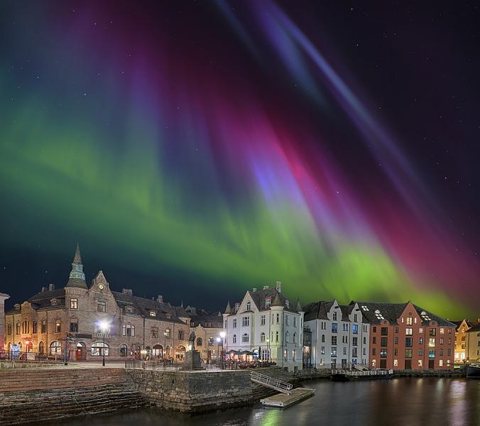 Alsesund Norwegen Hafen Nordlicht