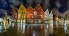 0366SB-382SB-FF-Bryggen-Nacht-Panorama-220-Grad-HDR