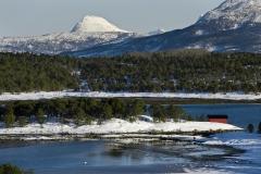 1530L-Landschaft-am-Tysfjord-Norwegen