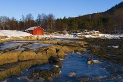 1828L-Haus-am-Fjord-Norwegen