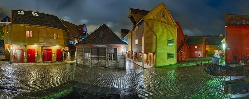 1681Q-1707Q-Bergen-Bryggen-Panorama-Nacht-HDR