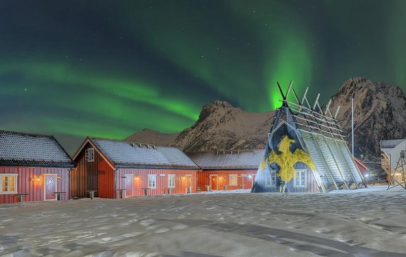 Nordlicht in  Norwegen mit Leuchtturm