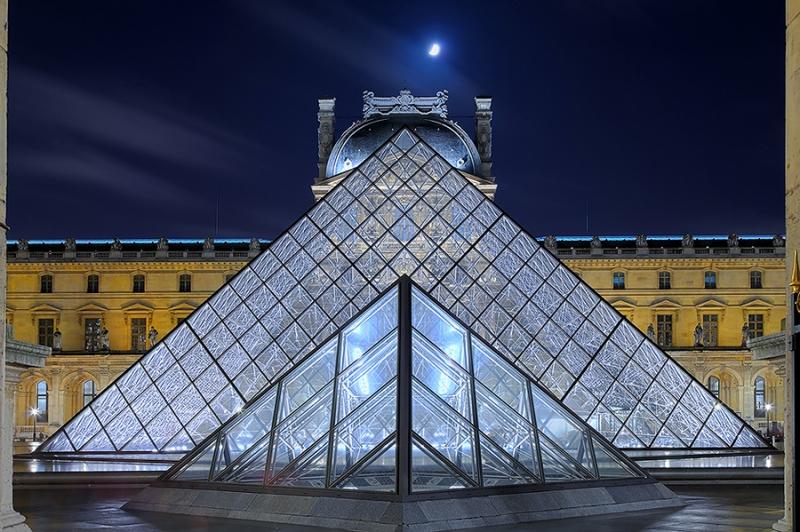 7647D-51D-Louvre-Paris-HDR