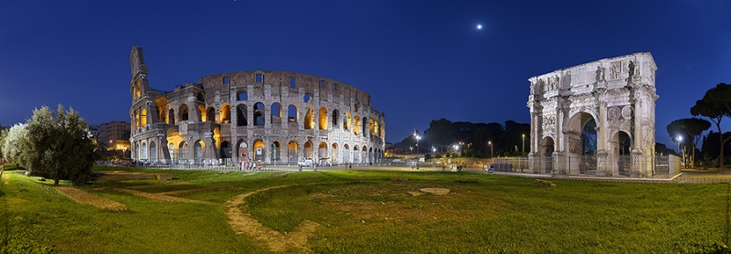 0409K-423K-Kolosseum-mit-Konstantinsbogen-Rom-beleuchtet-Panorama-DRI