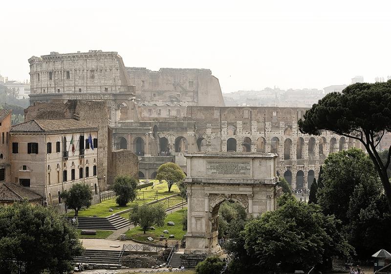 2115B-Titusbogen-u.-Colosseum-vom-Palatino-Rom