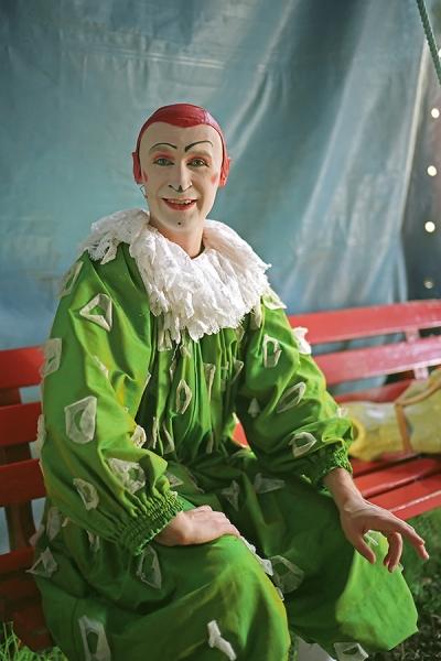 Clown-mit-Pferd-Serie-Bild-2