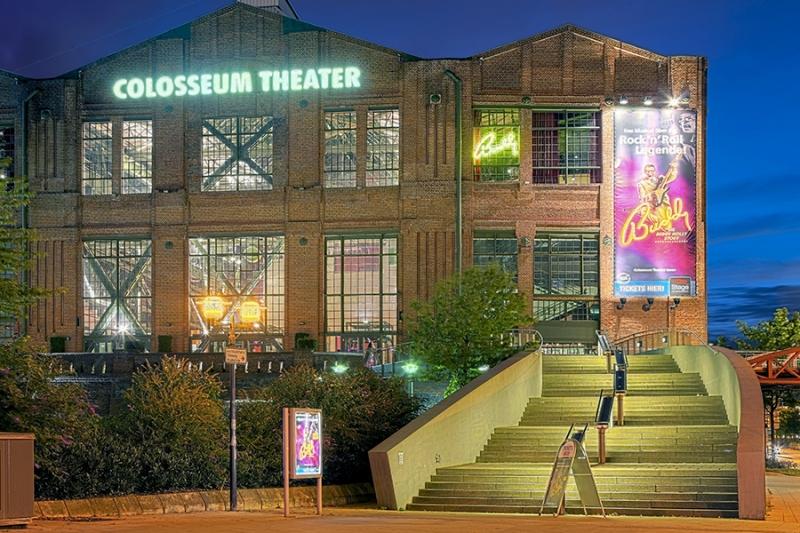 3420D-31D-Colosseum-Theater-Essen-Abendstimmung-HDR