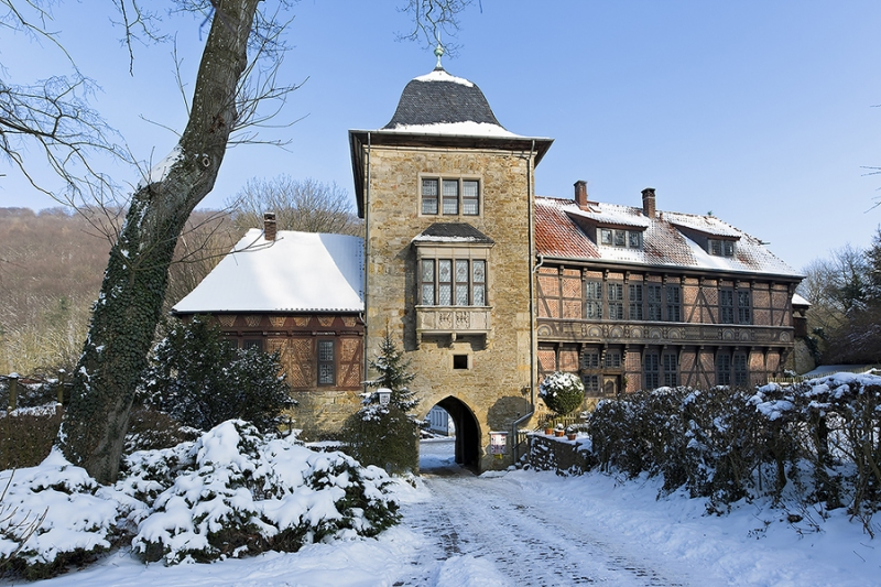 0626L-Torhaus-zur-Schaumburg-Winter