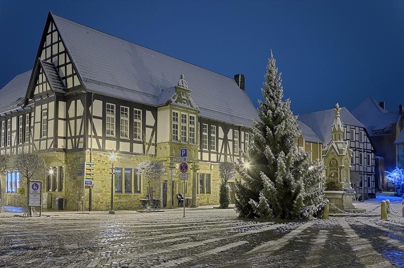 4532C-4540C-Marktplatz-Obernkirchen-HDR-Winter