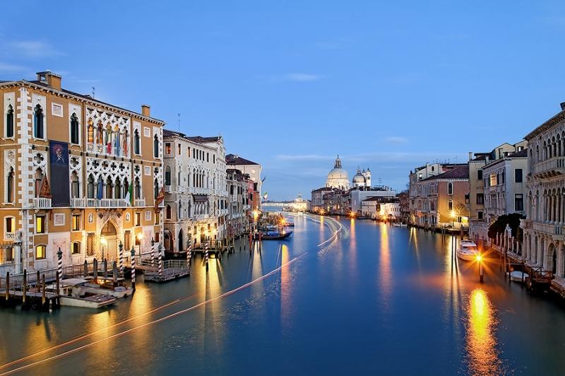 8276D77D-Venedig-Canale-Grande-DRI