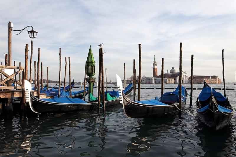 8694D-Gondeln-Venedig-mit-San-Gorgio