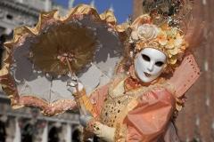 5991C-Karneval-Venedig-Markusplatz