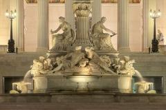4948D-56D-Pallas-Athene-Brunnen-vor-dem-Parlament-Wien-beleuchtet-HDR