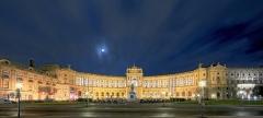 5055D-5061D-Neue-Burg-am-Heldenplatz-Wien-beleuchtet-HDR_DxO